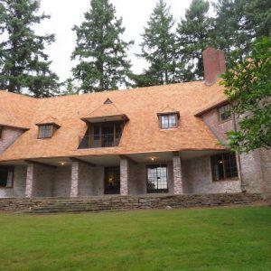 cedar-shingle-roof-install-portland-oregon-2-300x300 (1)